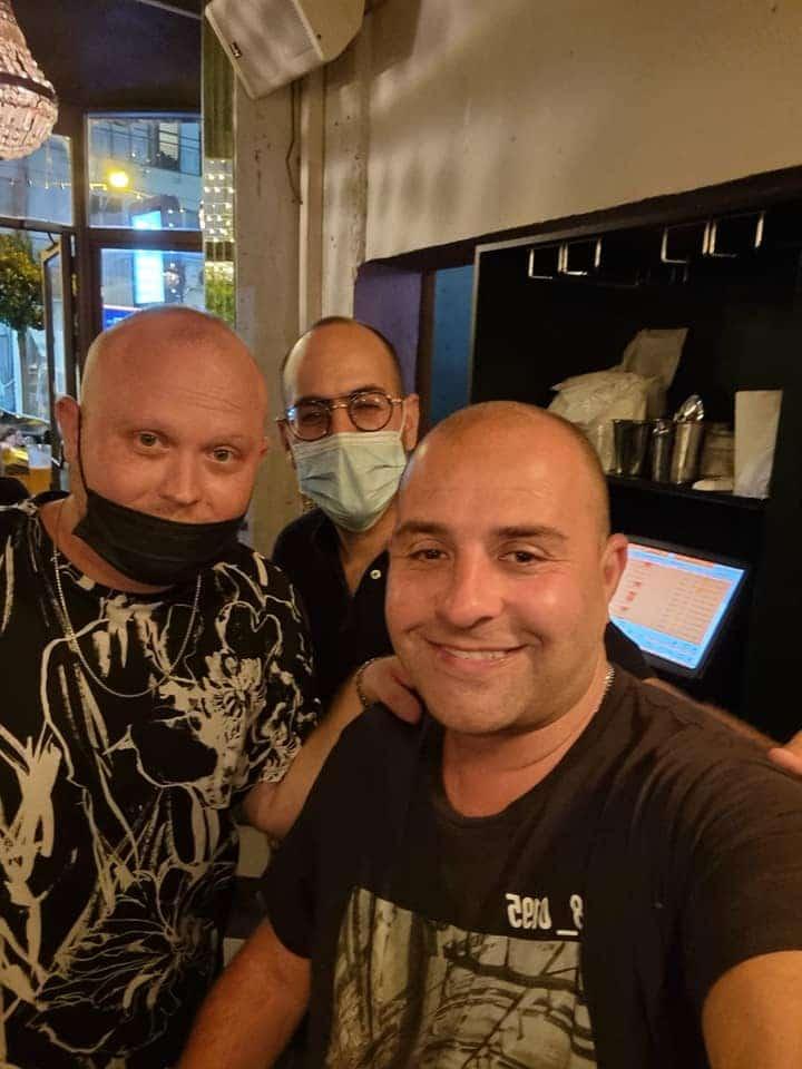 אריק שולמן עם הבעלים ל מסעדת JAJA בראשון לציון - תהליך ייעוץ עסקי למסעדנים